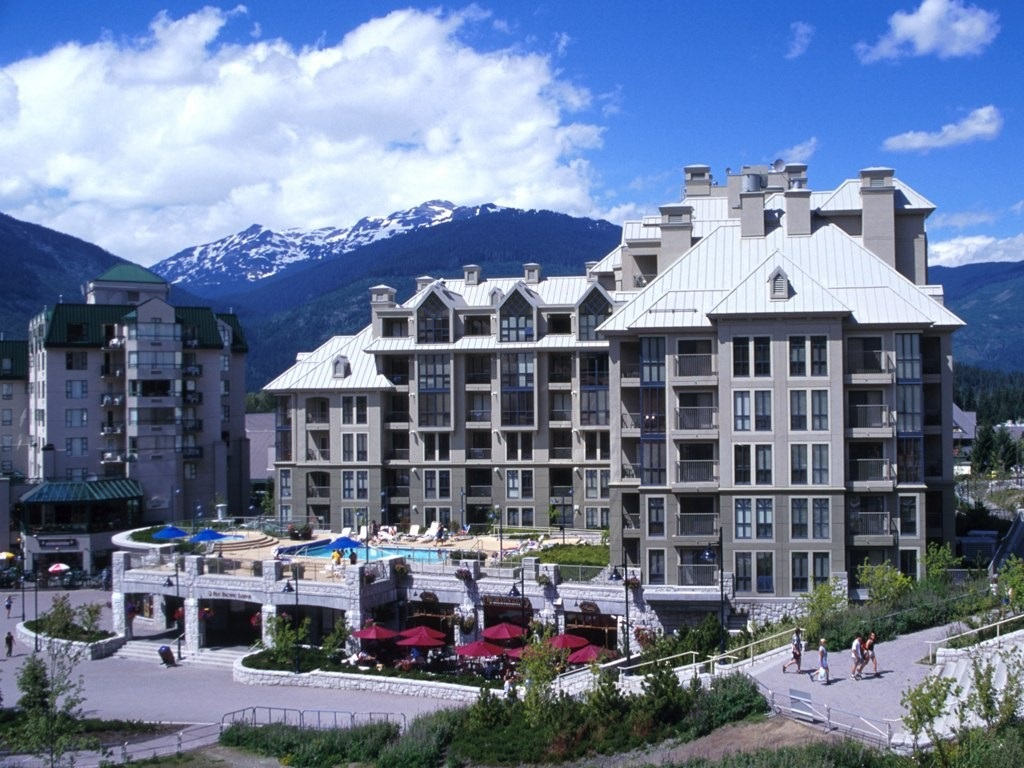 5 extravagant places to stay in whistler canada